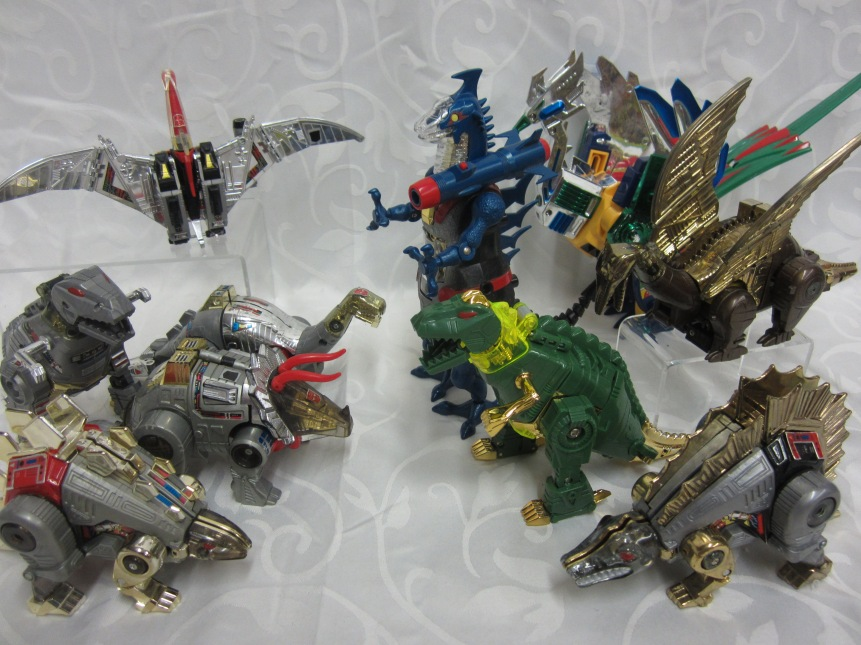 DINO ROBO G1 TRANSFORMERS VS MACHINE DRAGON PREHISTORY ANIMAL AND LES ROBOTS DINOSAURES.JPG